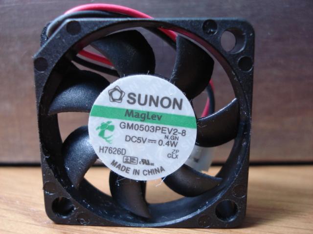 New in original Sunon MG0503PEV2-8 5V 0.4W 3006 slim small fan 3CM(China (Mainland))