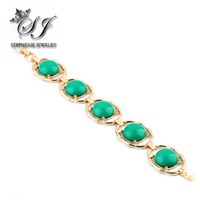 New Arrival Brand Design Zinc Alloy with Big Green Rhinestone Bracelet Unique Design Gold Plated Jewelry for Women