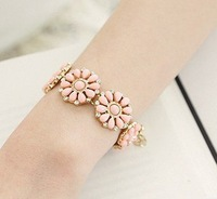Free shipping, Min order is 15$(Mixed order)New bohemian flower disk arcylic bracelet,Trendyfashion jewelry.Promotional souvenir