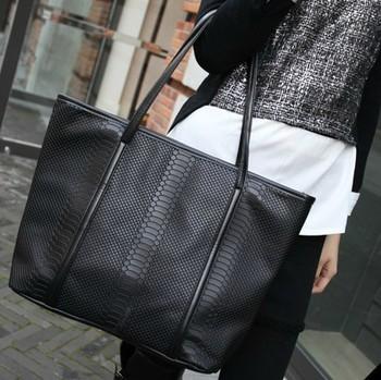 0025 HOT HOT SALE!! new 2014 Fashion black crocodile pattern big black bags women's vintage leather messenger bag