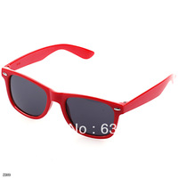 1pc RED Fashion Retro Vintage Men Women Casual Sun Glasses Black Lens Frame Wayfarer Trendy  Sunglasses Popular
