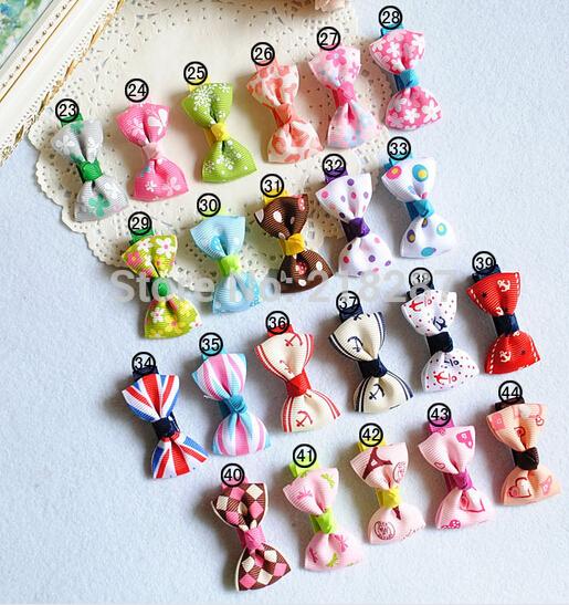 Free Shipping 2013 New Cute Polka Dot/Striped Bows Hair Clips Girls Tiny Hairclips Childrens Hair Accessories(China (Mainland))