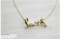 00003  FREE SHIPPING The 2013 New South Korean Jewelry Gently Around A Heart Of LOVE Chic LOVE Necklace Wholesale