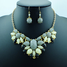 Big Gray And Green Stones Attractive Luxury Fashion Women Rhinestone Necklace Jewelry Free Shipping (China (Mainland))