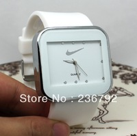 Free Shipping--Watch Men brand famous--Watches Women fashion brand--Men  Watches--Sports Watch --Quartz Watches--Good