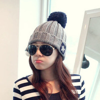 Hot Roll-up Hem Ultralarge Bulb Pentagram Wool Knitted Hat Winter Women Accessories Five-Pointed Star Pompon Beanie HTZZM-071