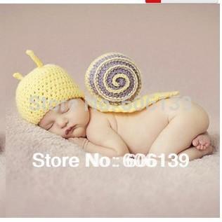Lovely cartoon animal Little Snail Handmade hats baby boys girls Studio photography clothing Wool Knitting caps free shipping(China (Mainland))