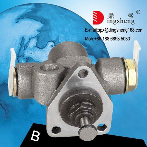 MAN Trucks Engine Parts 0440008073 Fuel Feed Pump 51121017082 Aluminium Hand Pump(China (Mainland))