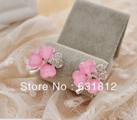 Min.order is $15 The new high quality crystal clover earrings winter manual  stud earrings