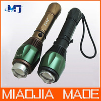 1 set/ lot Rotating zoom 5W CREE light flashlight High power long distance light + Direct charger