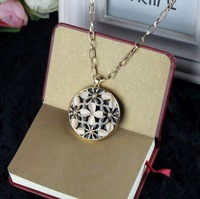 [77 Queen]free shipping wholesale CJ027 Circular hollow out flower sweater chain necklaces & pendants necklaces 2013 women