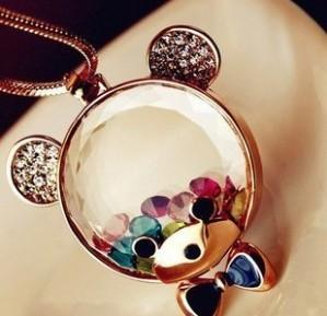 N124 Crystal Cartoon Cute Bear Sweater Chain Female Long Necklace With Jewelry Ornaments 2324