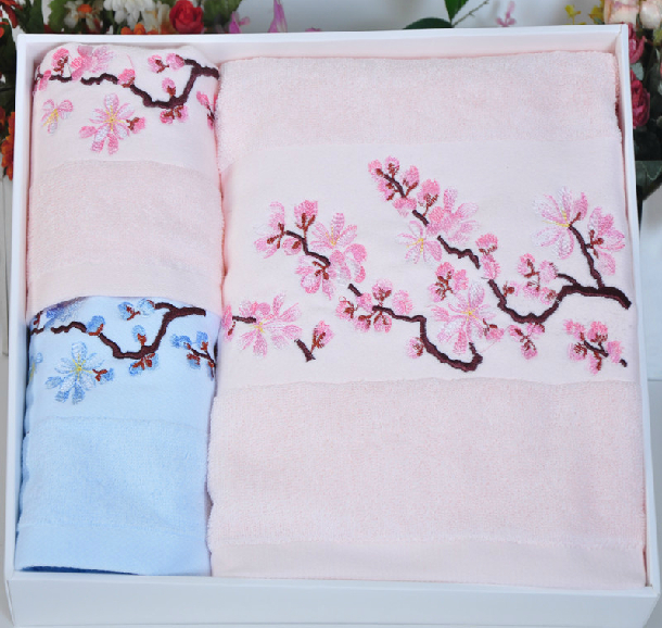 100% cotton Christmas Gift Towel Sets Solid Color Embroidery 3pcs Bath / Face Towel set Towels bathroom(China (Mainland))