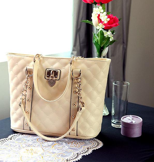 Elegant Noble Lock Chain Women Leather Handbags Fashion Women Shoulder Bag Heart Women Messenger Bags Free Shipping WB3002(China (Mainland))