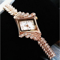 WAT201Free Shippingnew Fashion ladies watch rhinestone brand quartz wristwatches women luxury diamond dial alloy watch for dress