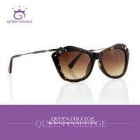 Queen college with case Butterfly brand vintage Sunglasses women pop Sun Glasses 5colors gafas de sol CE FDA QC0118