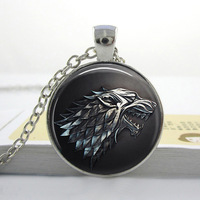 1 PC Free Shipping Handmade Vintage Game of Thrones Inspired House Stark Emblem Winterfell Map glass cabochon dome Pendant