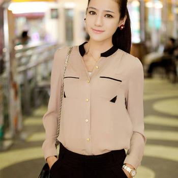 Блуза из шифона на пуговицах, с длинным рукавом и кармашками на груди.