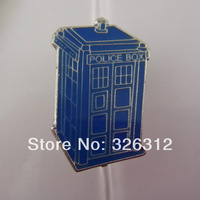 Wholesale Moive Jewelry Doctor Who Dr Mysterious TARDIS Brooch pins Police box David Tenant Matt Smith Brooches Badge RJ1060