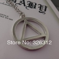 Wholesale New Fashion High Quality Round & Trangle Eminem Necklace Classic Style Hip Hop Jewelry Party gift Men Male Boy RJ1063