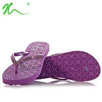 Новый флип flops лето пляж женщин квартиры плоские сандалии женские пятки тапочки кожа тисненая женщина обувь