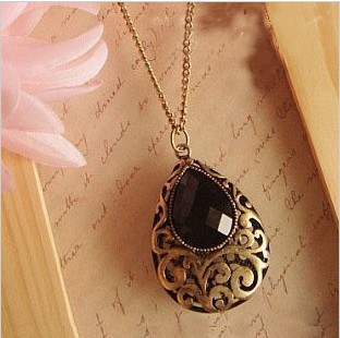 fashion vintage drop gem cutout carved necklace heart necklace jewelry wholesale