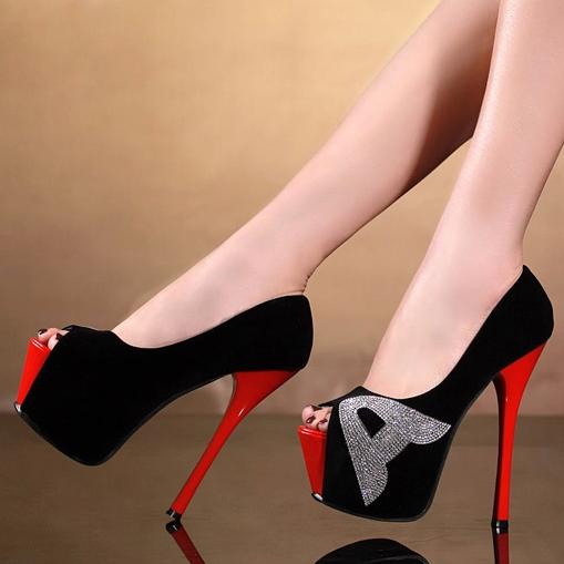 seksi-obuv-na-shpilke