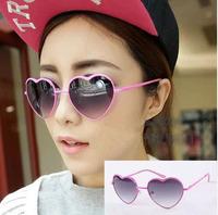 Free shipping! Fashion Metal Heart Love Women Men Protect Sunglasses