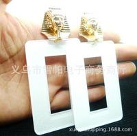 Hot Selling European Women's Fashion Cleopatra Rectangular Hollow Acrylic Earrings Female Exaggerate Alloy White Dangle Earrings