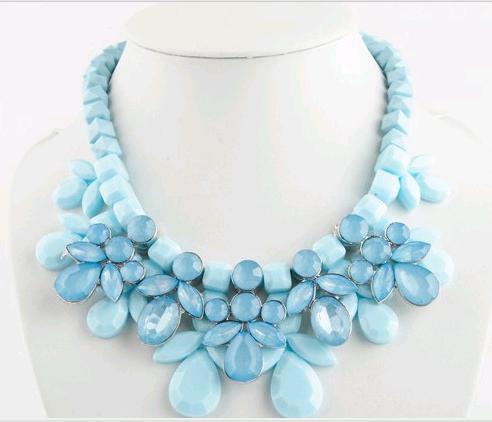 Coreano Bohemia Moda 4 cores de doces Doce Exagerado Big cristal frisado Chunky Choker 2014 novos colares Declaração Jardineira(China (Mainland))