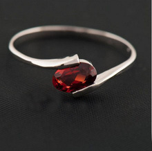 Red color natural garnet stone ring 925 sterling silver rings Simple and stylish for women wedding