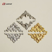 T5 Free Shipping 200pcs Mixed Colors 22mm FILIGREE Right Angle Metal CORNERS Wedding Invitation Stick On Toppers