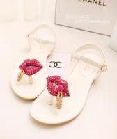 Free shipping new 2014 summer new Europe lipstick sexy lips personalized diamond clip toe flat sandals 2051