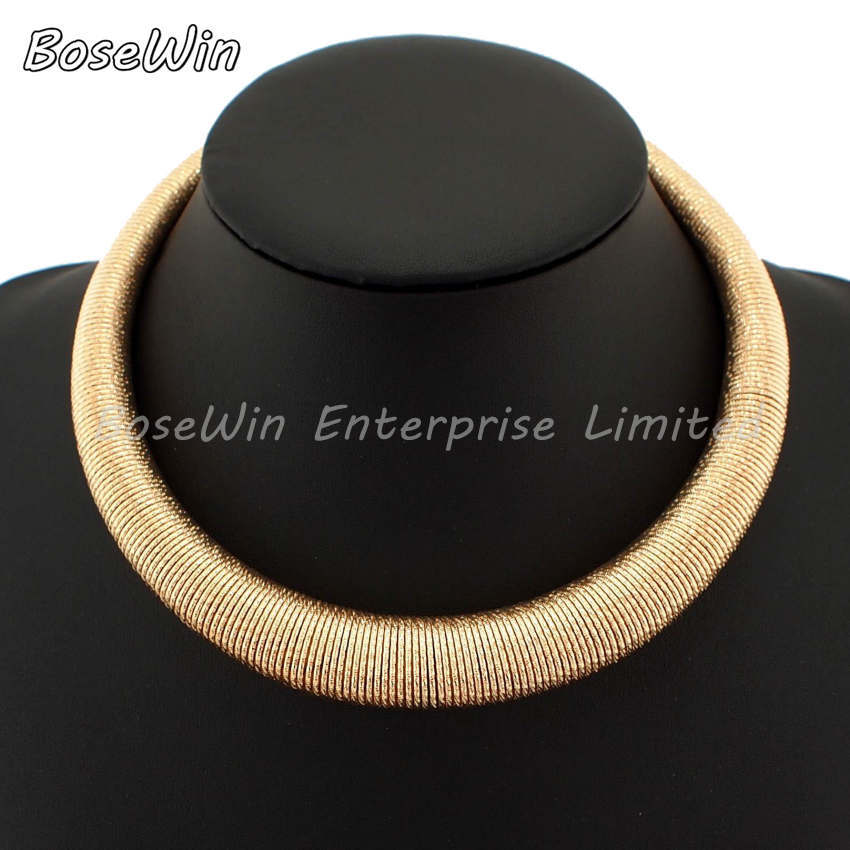 Hot Fashion Shining Gold Silver Spring Metal Neck Fit Torques Chokers Women Party Wear Short Necklace