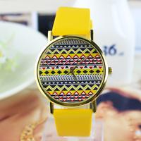 New Arrive Fashion Women Leather Strap classics Watch Wavy dial wrist quartz watch dress watch