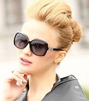 The new 2014authentic sunglasses female elegant and comfortable sunglasses Star frog mirror sunglasses big box