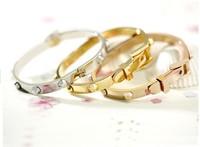 Belt Buckle Handcuff Womens Bangle Bracelet Texture Titanium Steel Don't Fade Rose Gold Rivet Bracelet Bangle for Memorial gift