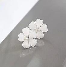 fashion Korea cute resin five flower petal stud earrings for women