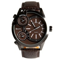 Oulm Male Quartz Watch Multi-Function Three Movements Steel Round Dial Leather Band Luxury Watchproof Wristwatch U3136