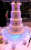 """Free shipping/wedding acrylic crystal cake stand/16"""" diameter 6""""tall/40cmx15cm tall including the LED"""