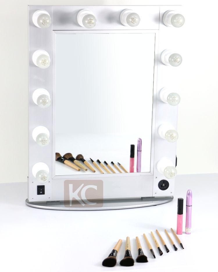 Simple et décent belle personnalisées. multifonctions. miroir de maquillage avec des lumières terminer par un travail exquis