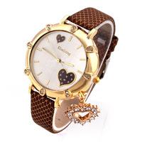 Women Dress Watches Brand Famous Luxury Ladies Quartz Watch Gold Color Wristwatches Heart Pendant Relojes de Marca Fashion watch