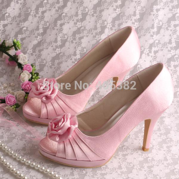 Розовые туфли с цветком / Еда и напитки / розовые