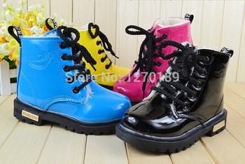 2015 новое поступление детская обувь для мальчиков и девочек мартин сапоги одиночные ботинки лакированной кожи сапоги непромокаемые сапоги корейской прилив