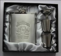 1set/lot Portable Stainless Steel Luxury Hip Flask 7oz Embossed Flagon Wine Bottle Set Pocket Flask Russian Flagon AY870659