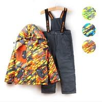 2014 Spring & Autumn child boy`s two-piece sets boy ski suits padded laser camouflage jacket straps pants trousers set