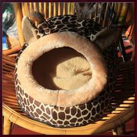 Free Shipping New Style Soft pet Bed,Pet House,dog House Fashion Colorful Animals Shape