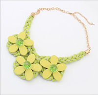 Star of the same paragraph 2014 Korean version of the new hot Wood flowers twist necklace Factory Direct