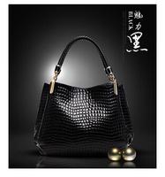 Sell like hot cakes!The new 2014 patent leather crocodile grain portable handbag brand Fashion single shoulder bag Evening bag