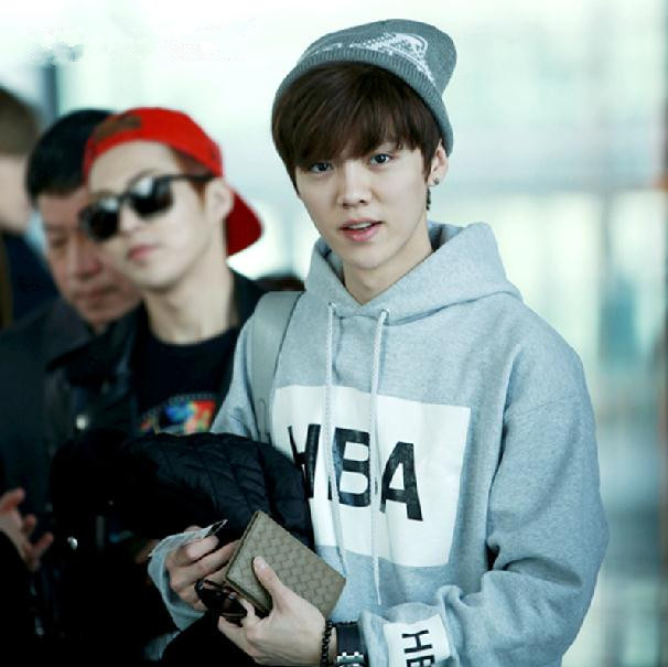 Gallery images and information: Exo Luhan Airport Fashion 2014
